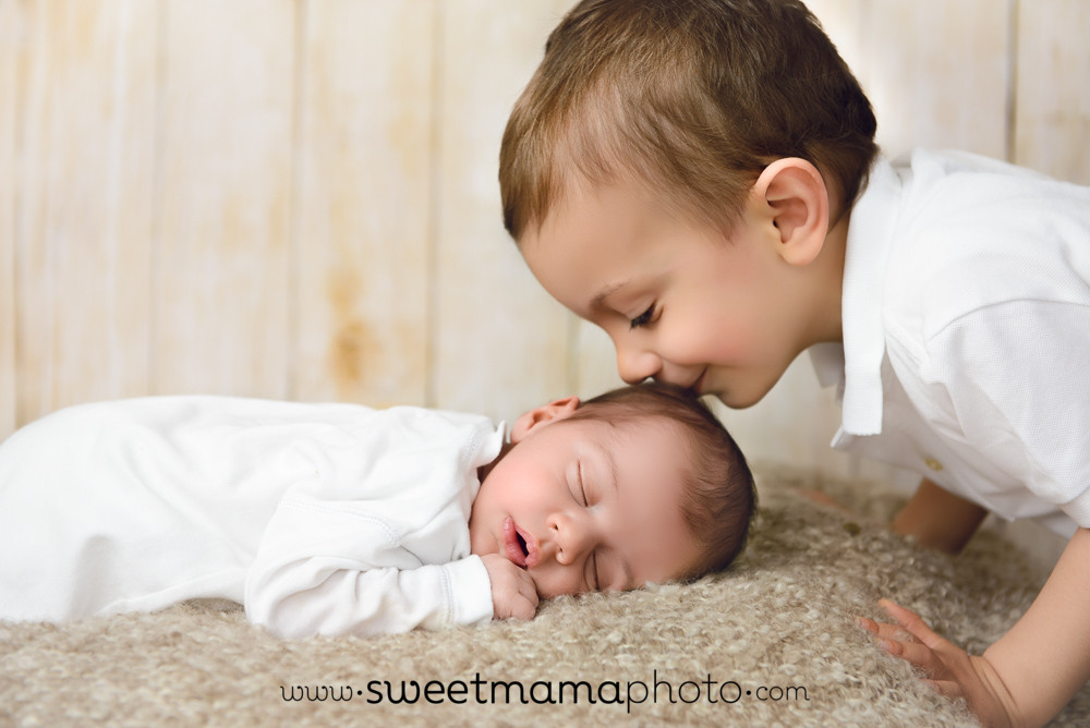 Siblings portrait by Cyprus-based Family, Children, and Newborn photography boutique Sweemama Photography