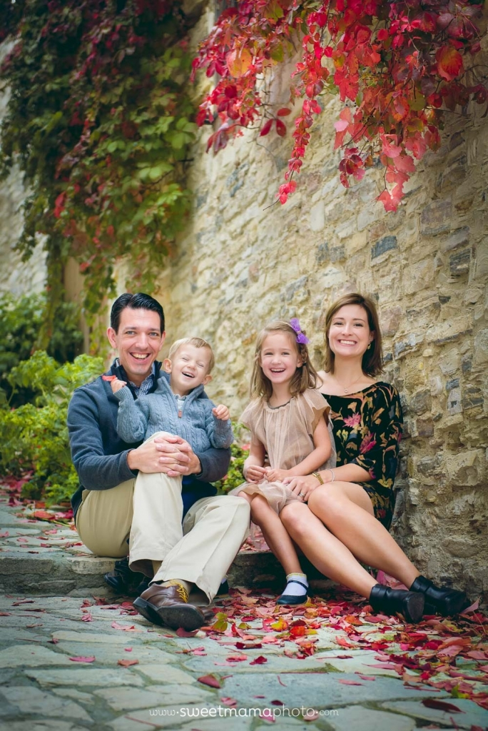 Family/children portrait by Cyprus-based Family portrait boutique Sweemama Photography (Lefkara outdoors session)