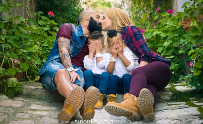 Family/children portrait by Cyprus-based Family portrait boutique Sweetmama Photography (Lefkara outdoors session) - Vander Vieira (Apoel)