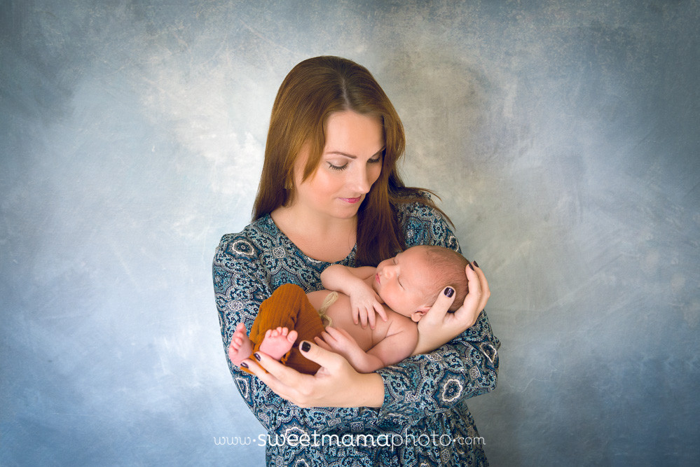 Newborn and family portrait by Cyprus-based Family portrait boutique Sweetmama Photography
