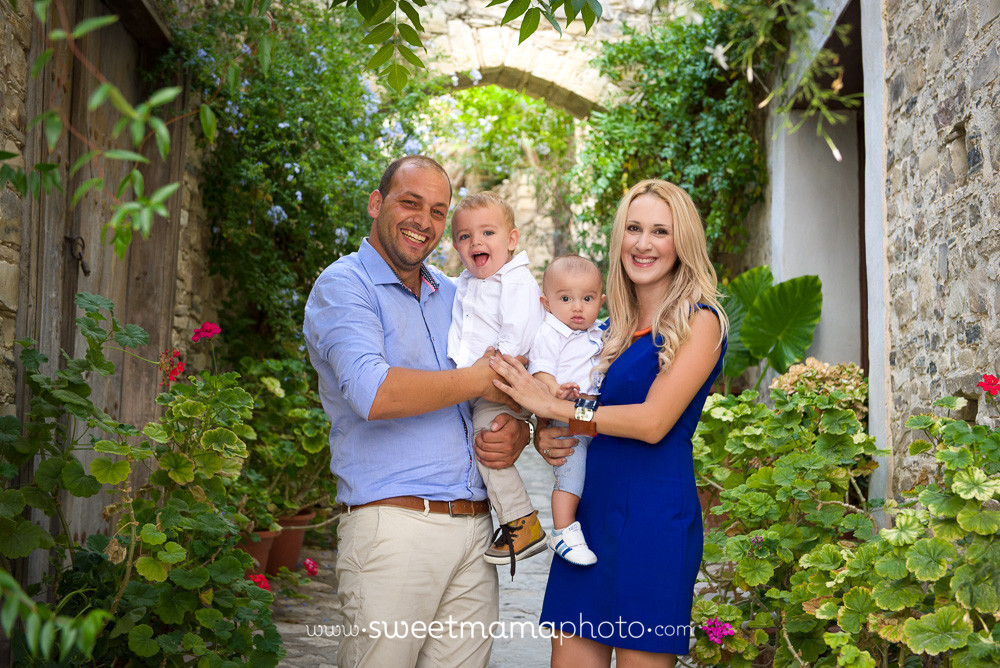 Outdoors Family Photography by Sweetmama Photography at Lefkara village - Cyprus photography boutique specializing in newborn, children and family photography.