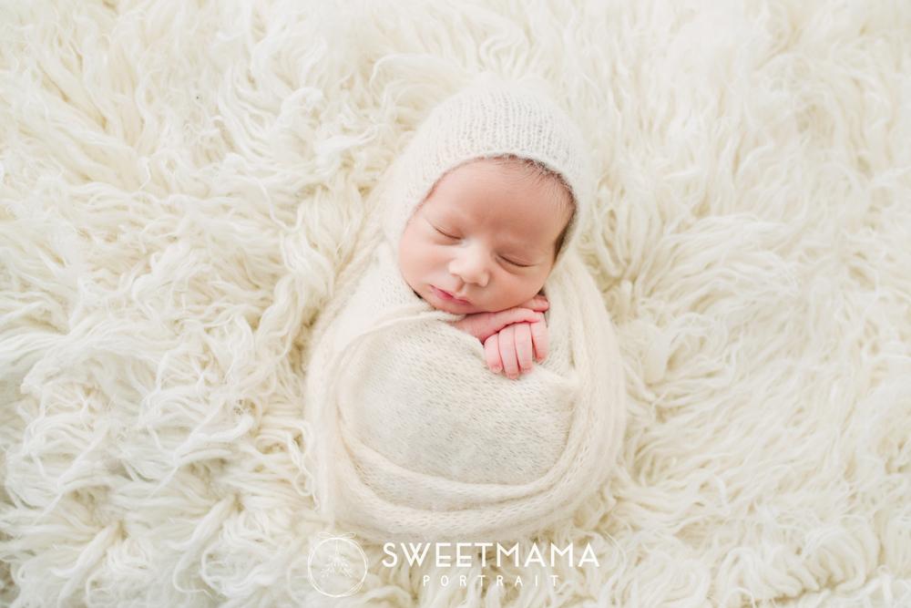 Newborn and baby/child Photography workshops with Sweetmama Photography - Cyprus photography boutique specializing in newborn, children, family, and maternity photography Φωτογράφιση νεογέννητου, παιδιού, μωρού, Κύπρος. Παιδική και βρεφική φωτογράφιση (Λεμεσός, Λευκωσία, Λάρνακα)